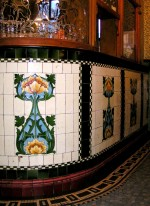 Tiled bar in the Lion Tavern, Liverpool, c. 1905