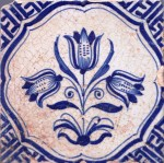 Mid 17th century Dutch tile with tulips and Chinese Wan-Li corner motifs